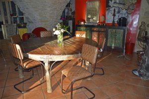 Table en bois pour une décoration moderne