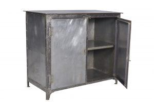 Meuble de rangement en métal