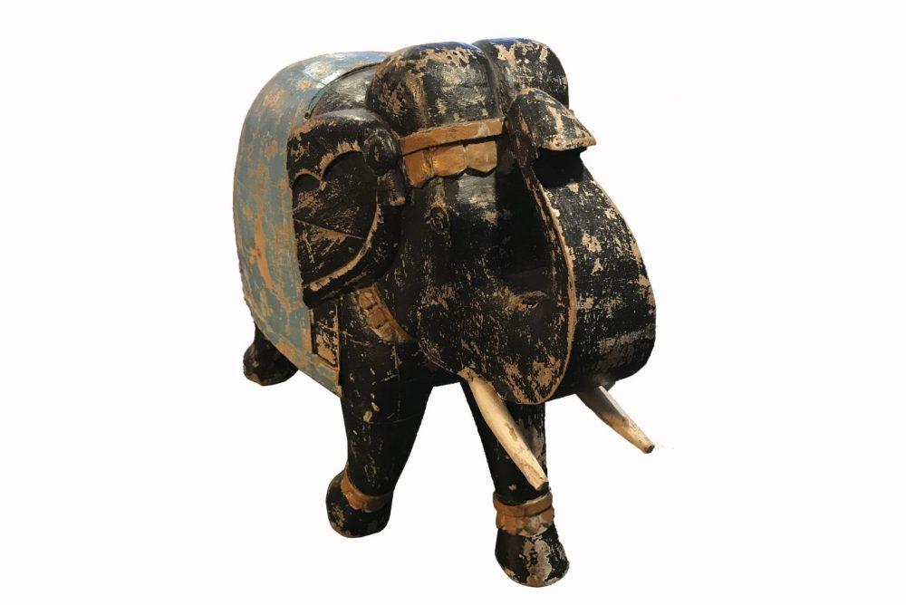 sculpture éléphant noir et doré