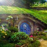 La maison de hobbit dans la nature