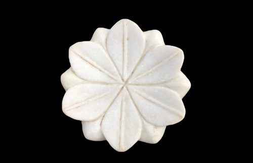 Plat en marbre blanc