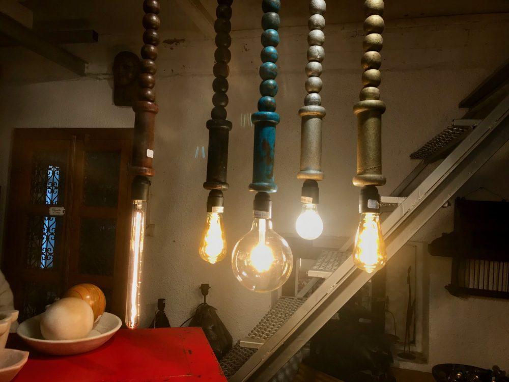 Plusieurs suspension luminaires pour la cuisine