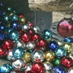 Décoration de Noël et boules en verre, différents couleurs