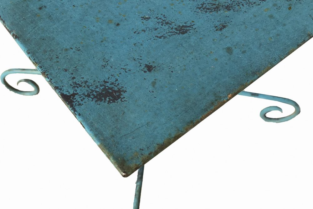 table de jardin en métal, couleur bleu